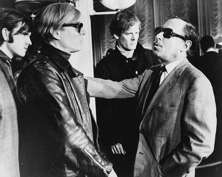 Imagen de Tenessee Williams con Andy Warhol