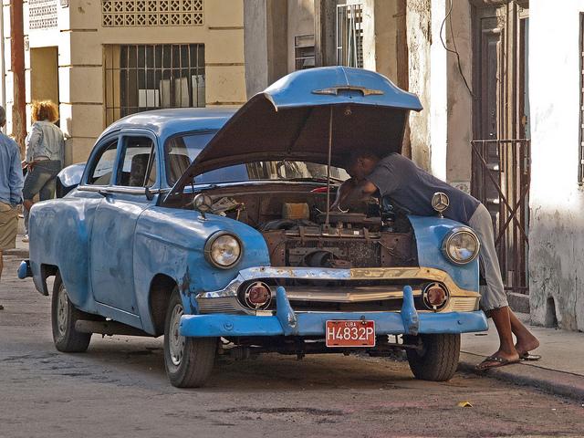 Imagen de un automóvil averiado