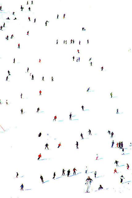 Imagen de personas en la nieve
