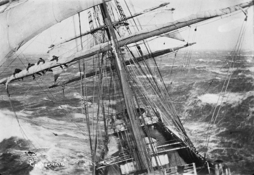 Imagen de una tormenta en la mar