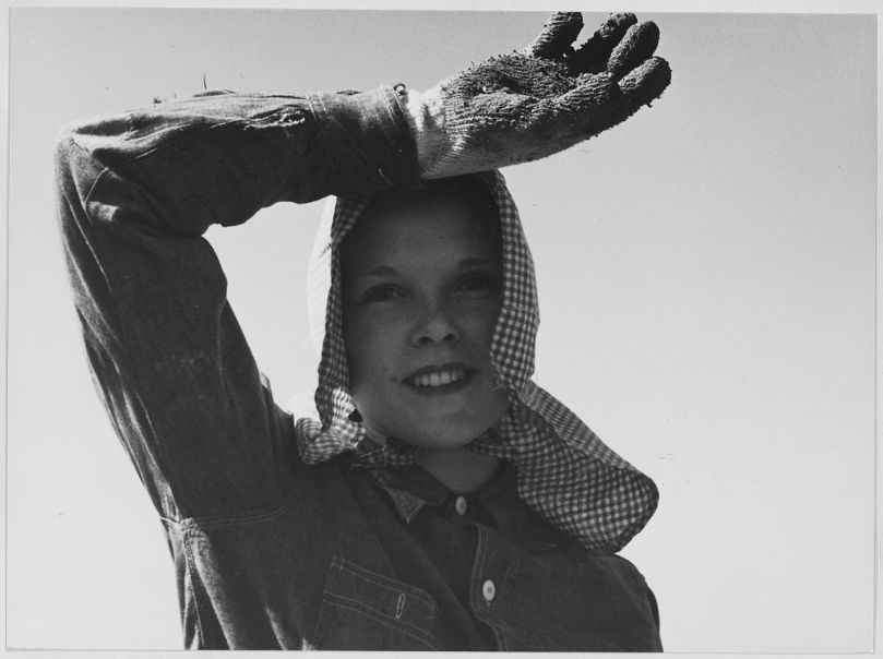 Mujer trabajando en California