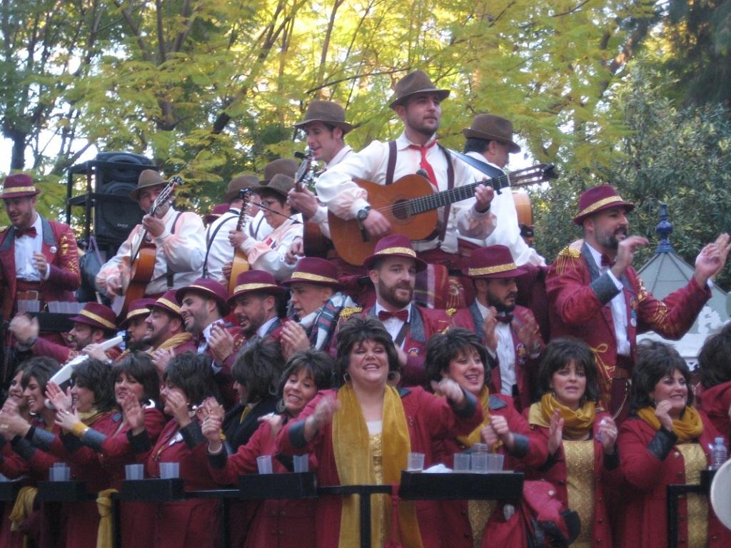 Imagen de un coro del carnaval de Cádiz